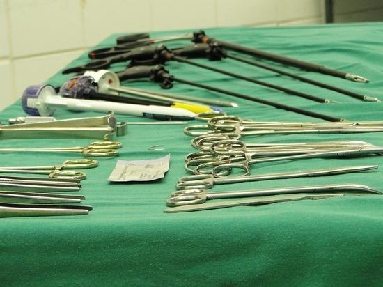 Девушка согласилась на хирургическое вмешательство ради бросившей её матери