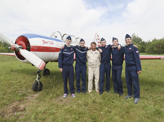 Курсанты летной школы Барнаула совершили первые полеты за 8 лет