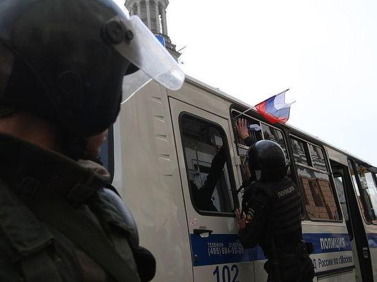 Показательное дело школьника с Тверской: Михаил попал под домашний арест