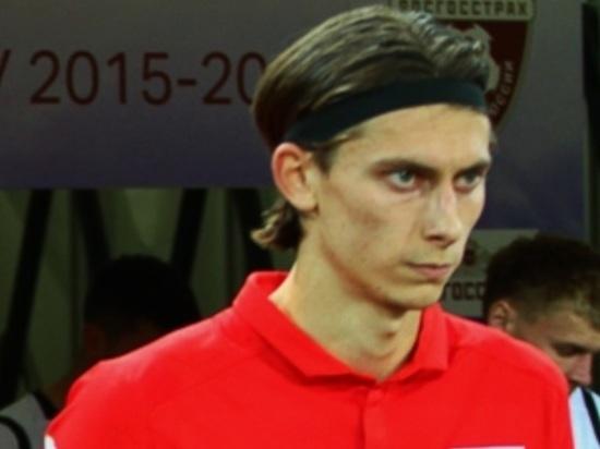 Футболист сборной ответил недовольным властью: в России никогда не было идеально