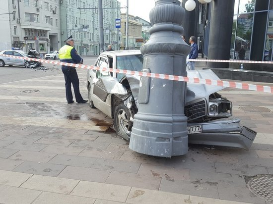 18-летний лихач, травмировавший полицейских в Москве, оказался сыном коммерсанта