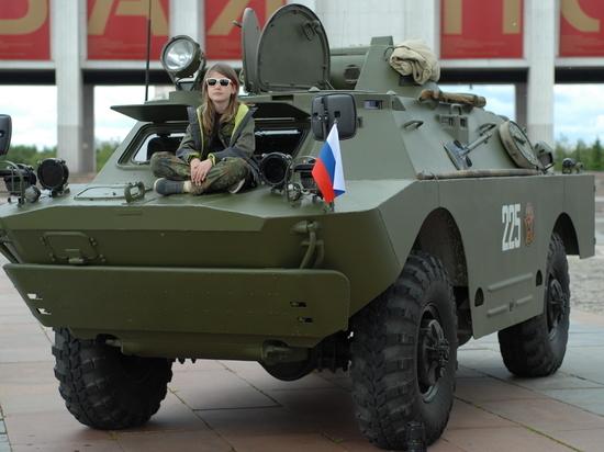 Из Москвы в Белоруссию выдвинулась колонна БТР