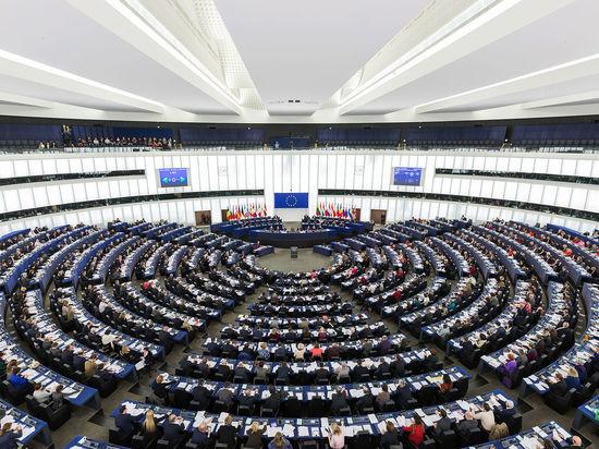 Евросоюз без обсуждения продлил на год санкции против Крыма