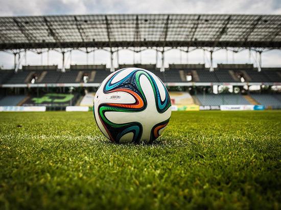 Видеоповторы раскололи футбольный мир: на российских стадионах происходит революция