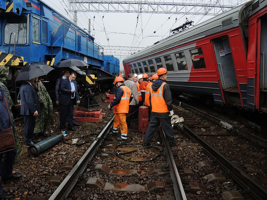 Сбой стрелки, данные пострадавших: подробности столкновения поездов на Курском вокзале
