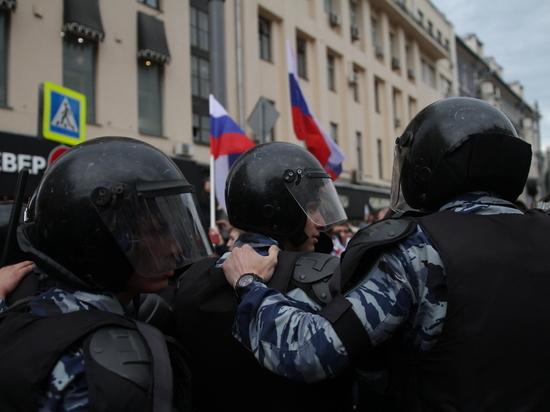 В Санкт-Петербурге задержали человека, якобы напавшего на митинге на ОМОНовца