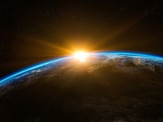 Ученый не в первый раз призывает людей бежать с планеты