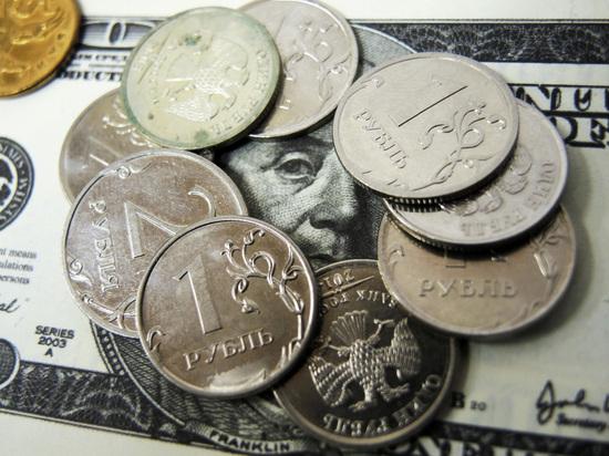 Доллар стоит уже дороже 60 рублей, евро — дороже 67