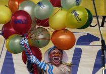 Дорогие друзья! В это воскресенье, 25 июня, «Московский комсомолец» подарит вам, вашим семьям и друзьям летнее «Хорошее настроение!» в парке «Сокольники»