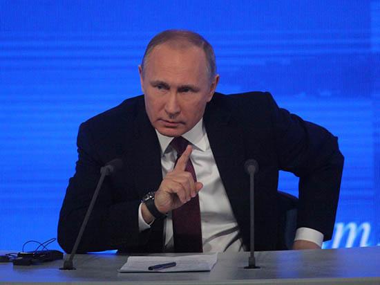 Путин пожурил директора
