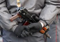 Носить и применять огнестрельное оружие по новым правилам станут сотрудники ФСИН в скором времени