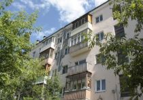 Фундамент аварийного дома № 19 по проспекту Ленина начали укреплять