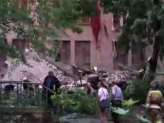В Донецке взорвали торговый университет