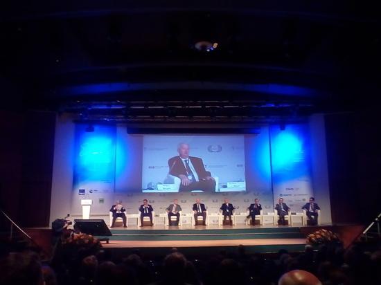 На авторитетном международном форуме в Москве собрались крупнейшие мировые эксперты