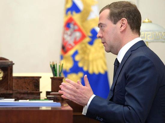«Челобитная государю»: вертикаль российской власти уперлась в исторический сюжет