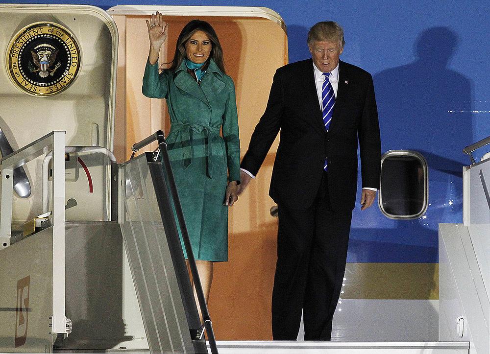 Меланья Трамп в Европе показала новые наряды