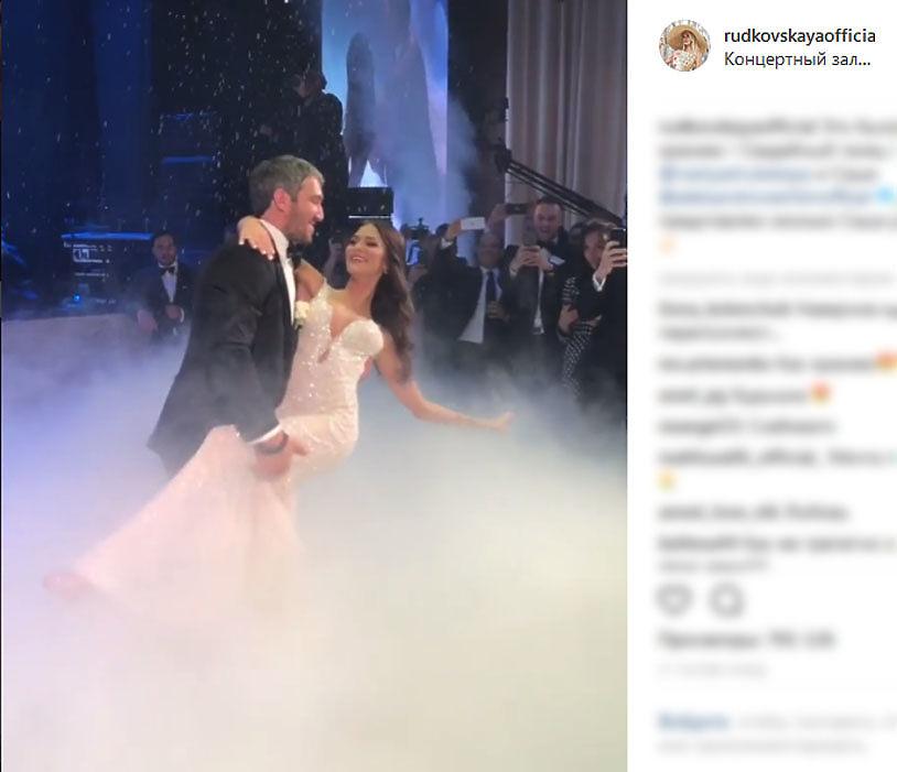 Овечкин и Шубская устроили пышную свадьбу: чету поздравил Путин