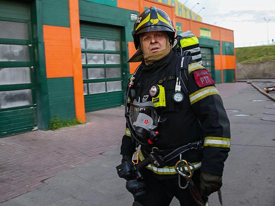 «Ползли рядом, дышали по очереди»: откровения выживших при пожаре в ТЦ