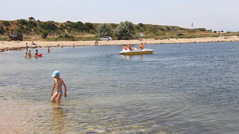 Адмиральский пляж в Севастополе: что изменилось в этом сезоне