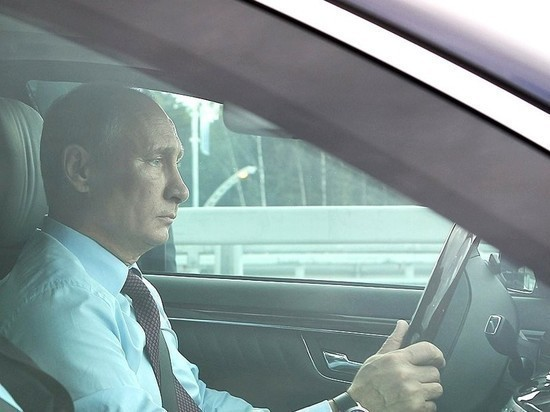 Путин: российские власти не позволят задирать цены на бензин