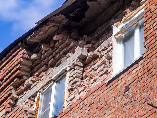 Кто понесет ответственность за аварийное состояние омских пятиэтажек