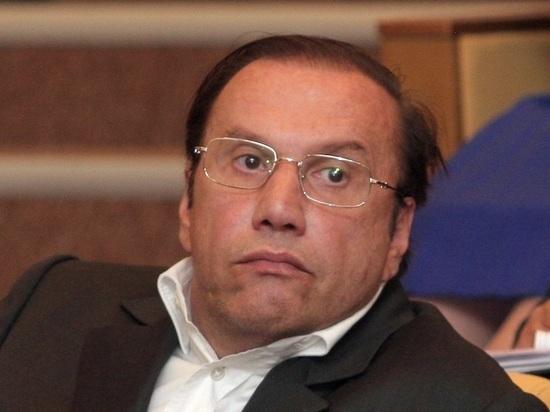 Скандально известный бизнесмен Батурин обвинил своего адвоката в краже коровника