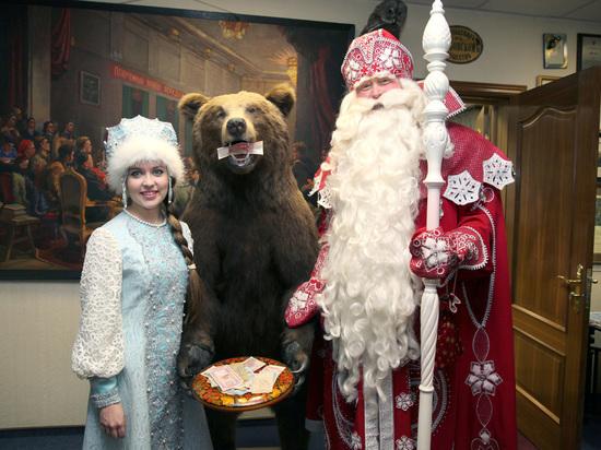 Сказочке конец: Деда Мороза поймали на распространении персональных данных