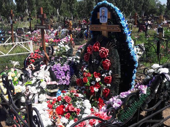 Известного саратовского бизнесмена, скончавшегося при странных обстоятельствах, родные опускали в могилу дважды
