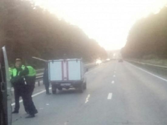 Три человека погибли и трое пострадали в ДТП с участием микроавтобуса в Калужской области