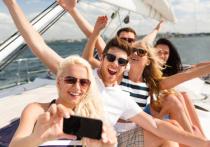 Неважно, как вы проводите время в отпуске: расслабляетесь на пляже, прыгаете с тарзанки или ныряете с аквалангом, опустошаете шоурумы и ремесленные лавки или коллекционируете эмоции от экскурсий, - всем вам, без исключения, нужна в поездке туристическая аптечка!