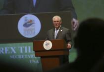Госсекретарь США Рекс Тиллесон попытался успокоить международных партнеров