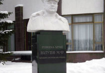 Массовая декоммунизация на Украине и снос памятников с советской символикой уже никого не удивляют