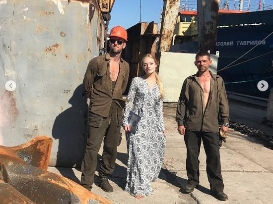 Девушка нанесла двухдневный визит в Крым