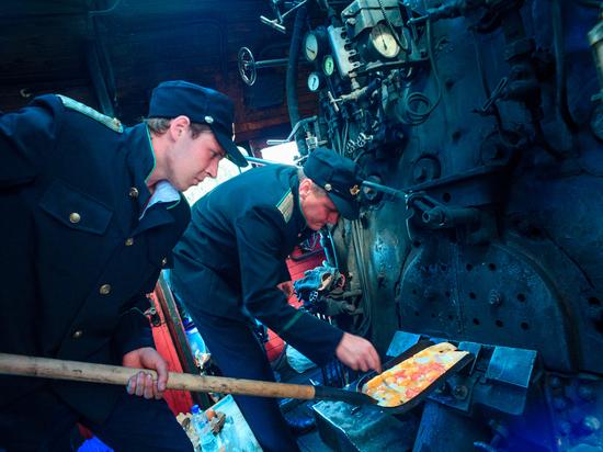 В Рузаевке в день железнодорожника жарили яичницу в топке паровоза