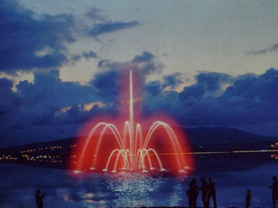 Объявлен конкурс на лучшее название плавучего фонтана