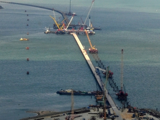 Киев взвыл из-за строительства Керченского моста: это изоляция Украины
