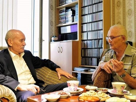 Филофонист Радислав Гараев подарил Уфе уникальную коллекцию классики