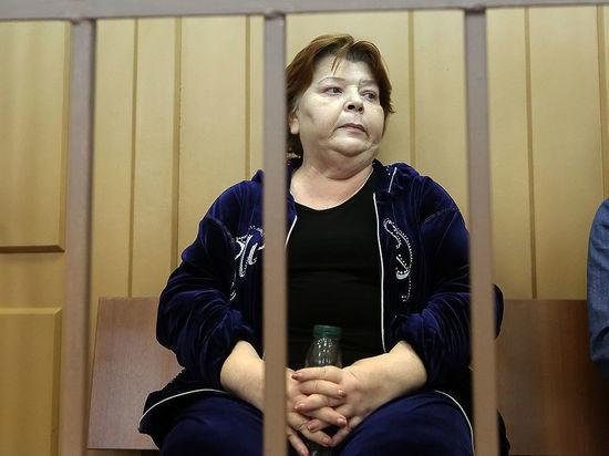 Дочки арестованной экс-сотрудницы Серебренникова Масляевой обвинили его в слежке