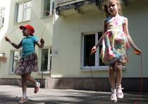 Столичных школьников учат обращаться с резиночкой