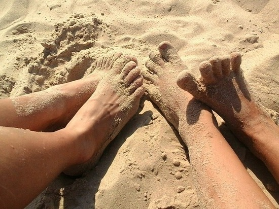 Как избежать грибка летом: общественный пляж - потенциальный рассадник инфекции