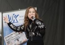 От «МК» в 12.00 горожан поздравит с праздником талантливая Ирина Кольба