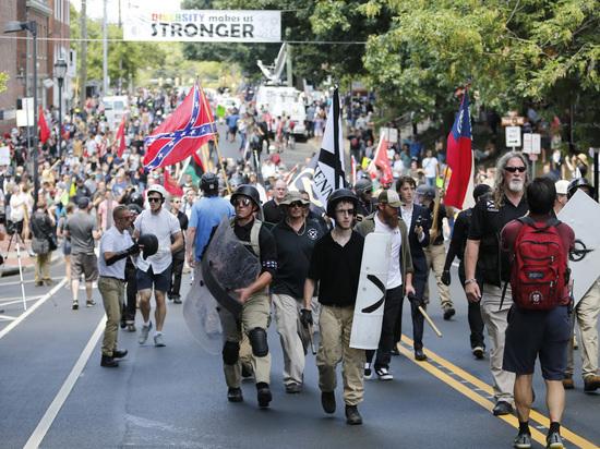 Ужас Шарлоттсвилля: почему в США вспыхнули беспорядки с множеством пострадавших