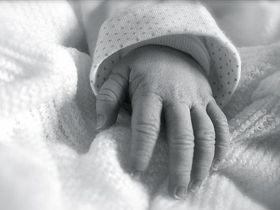 Обвал рождаемости: на детей не хватает денег, здоровья, желания