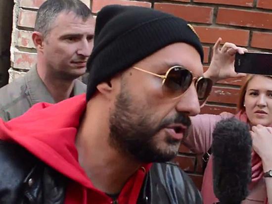 Отсутствие загранпаспорта не помеха: Серебренникова наградят в Риме
