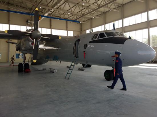 Россия презентовала Кыргызстану два самолета АН–26