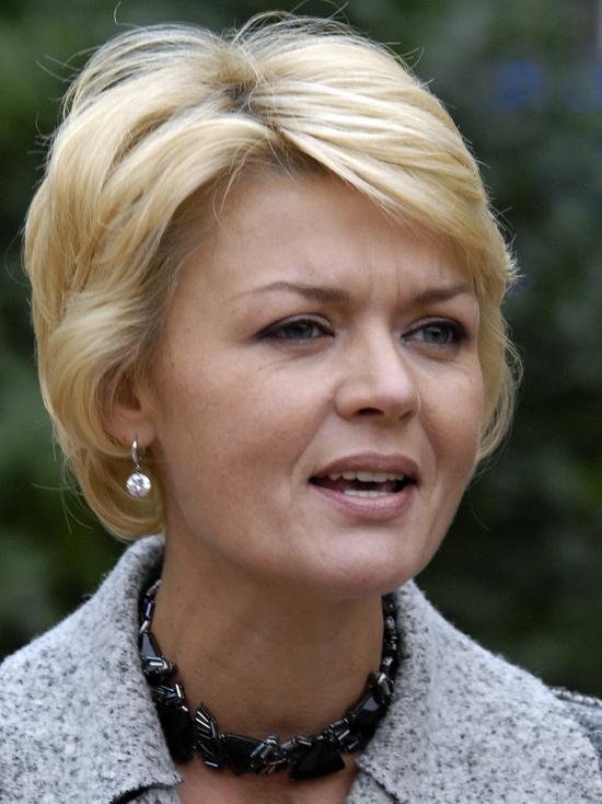 Юлия Меньшова сообщила о закрытии программы «Наедине со всеми»