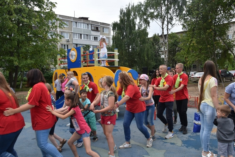 Детскую площадку торжественно открыли в Серпухове - МК Серпухов c499dc2a74a