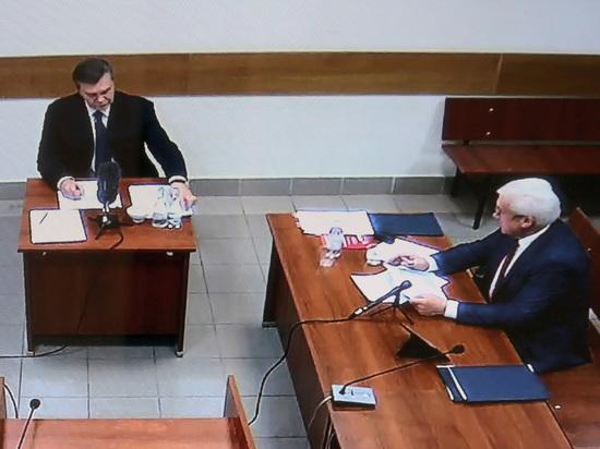 Адвокат Януковича отказался от его защиты