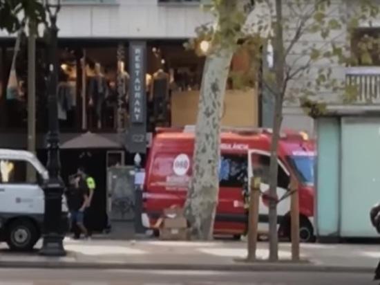 Барселонцы грозят начать «вешать уродов на столбах»