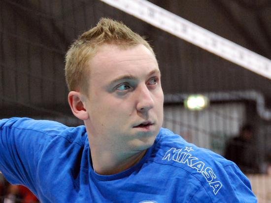 Алексею Спиридонову пришлось пол матча просидеть в околотке